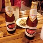 Ein paar Flaschen vietnamesisches Bier.