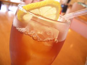 Zitrone Holunder Bier Bowle: Leckeres Bier Rezept der Zitrone Holunder Bier Bowle